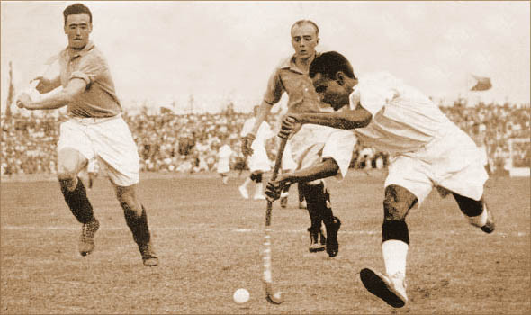 Dhyan Chand in action India Vs France, Semi-final at Berlin Olympics 1936
