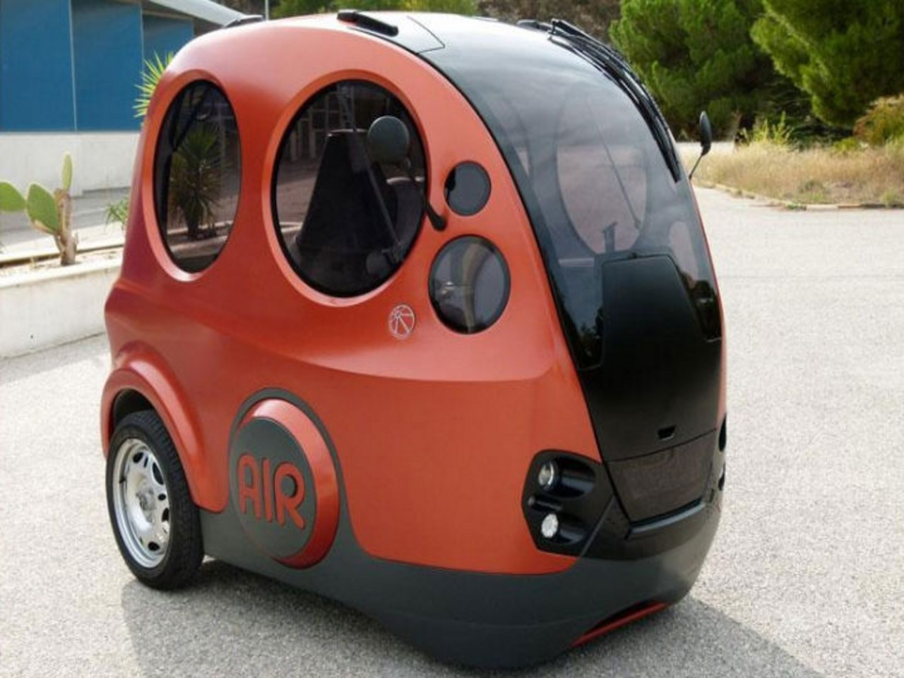 Tata concept car airpod runs on air