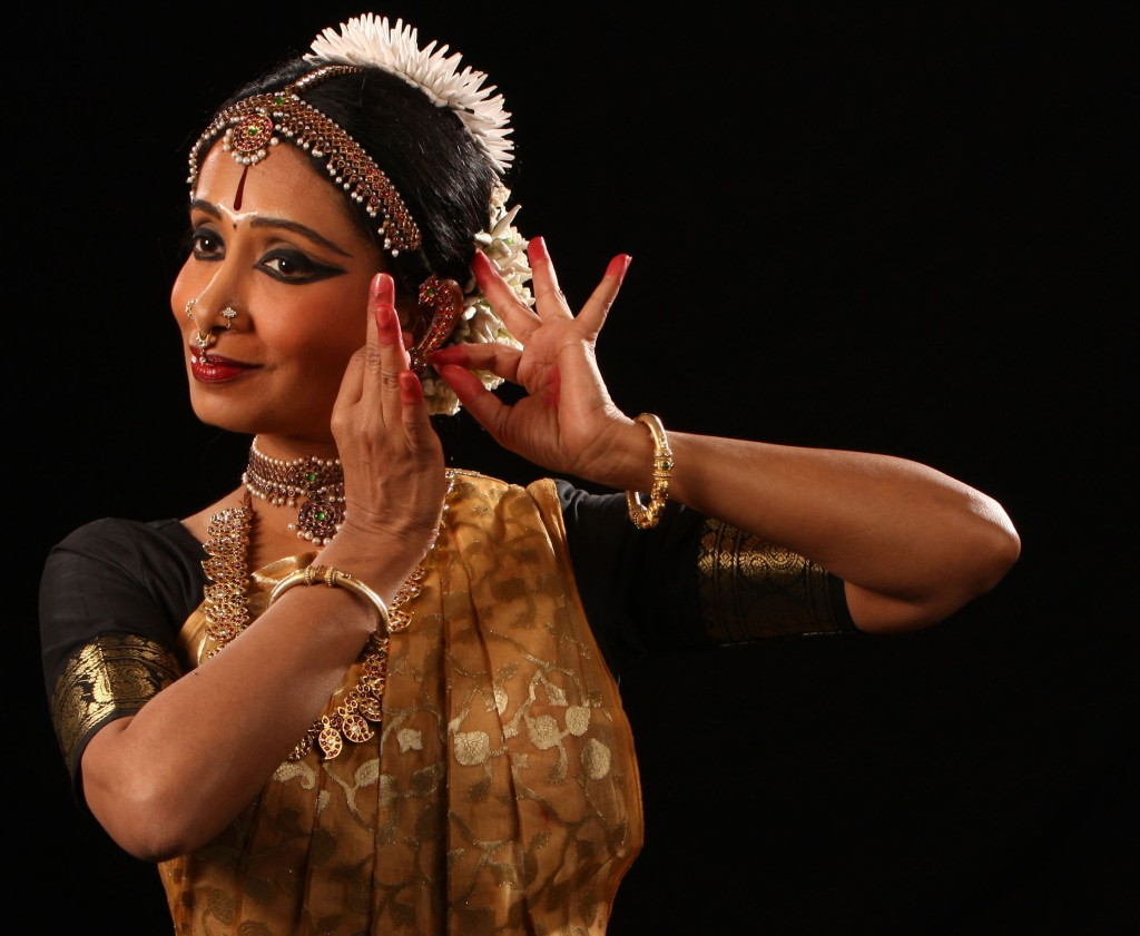 alarmel valli bharatnatyam dancer