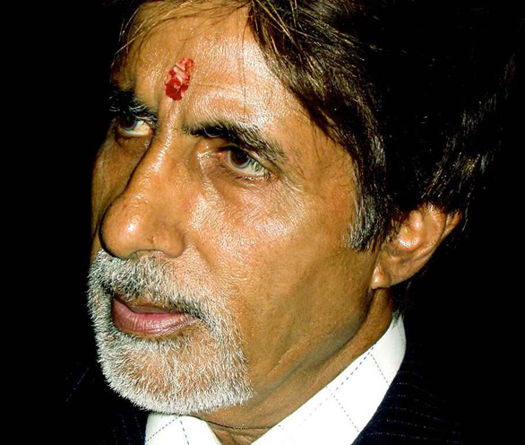 Scaling The Deewars Of '70s To a Fighting Fit 70- Sr.Bachchan Still Has Enough Fuel Left In Him