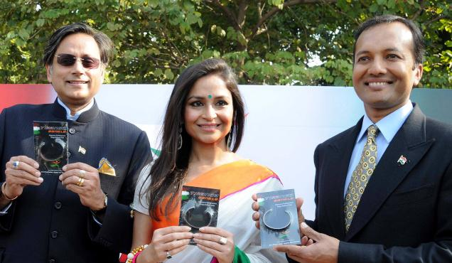 Naveen Jindal's Stress-Busting 'Tiranga Bangle' With Tri-Vortex Technology For A Healthier Lifestyle!