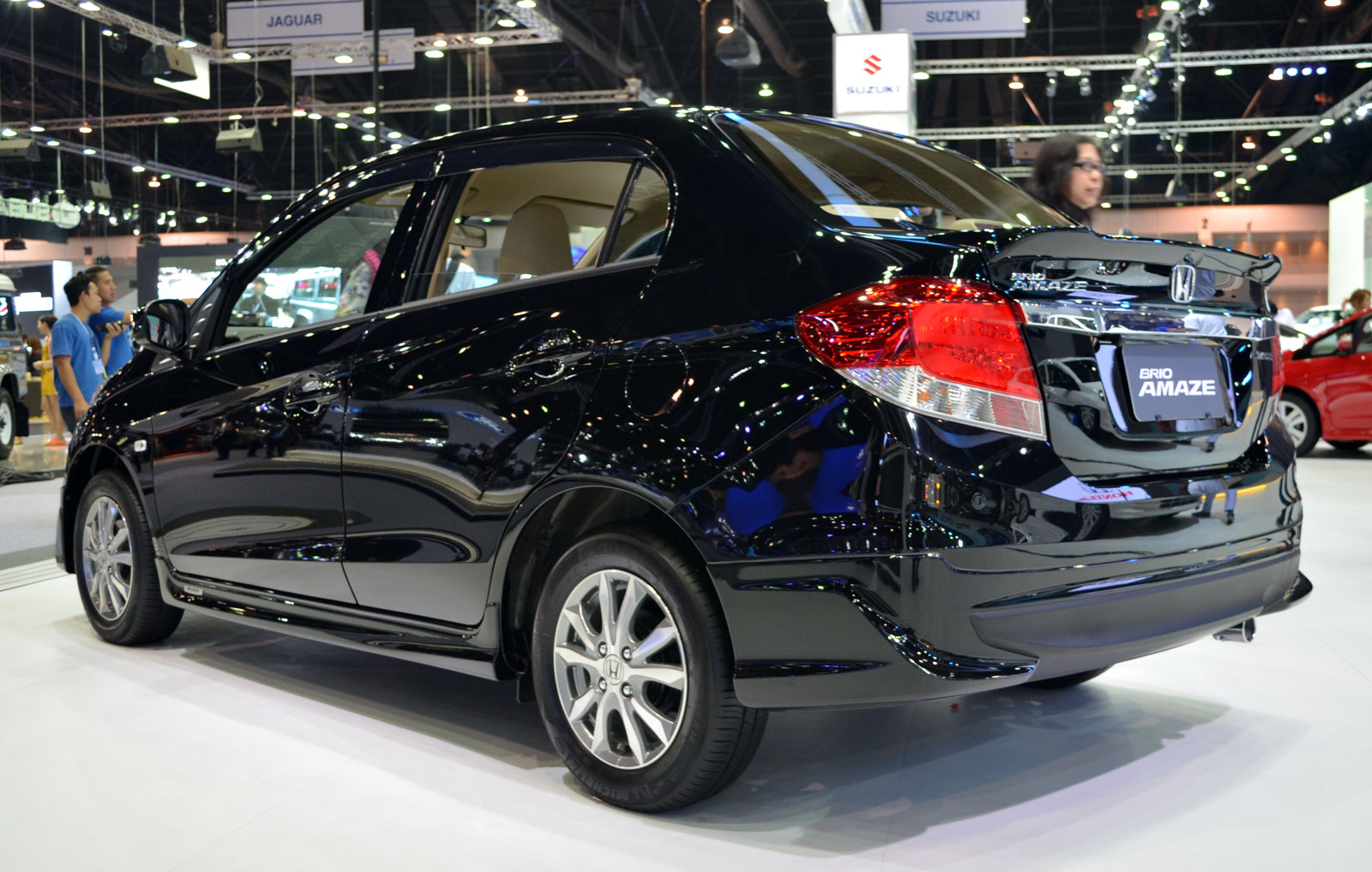 2013-Honda-Brio-Amaze-Compact-Sedan-with-Modulo-Body-Kit diesel