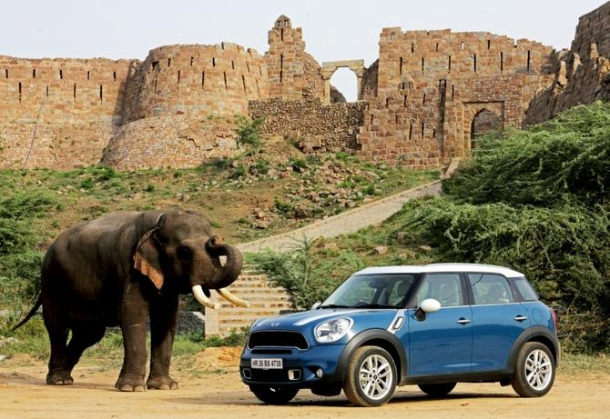 BMW MINI-Countryman-production-begins-in-India-at-chennai-plant