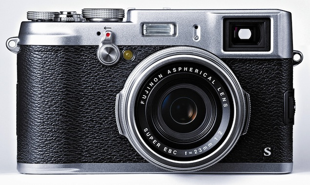 Fujifilm India Rolls Out FinePix X100S and FinePix X20 Cameras With X-Trans CMOS II Sensors, Hybrid Autofocus.