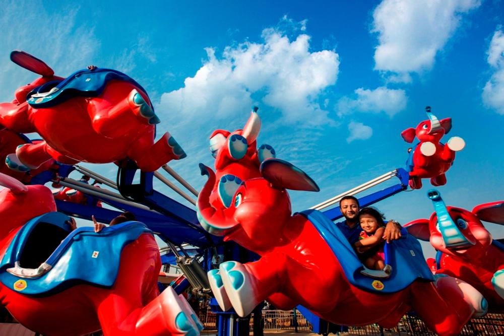 tubby takes adlabs-imagica theme park