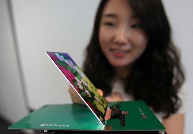 LG Introduces World's Thinnest Full HD Smartphone Display!
