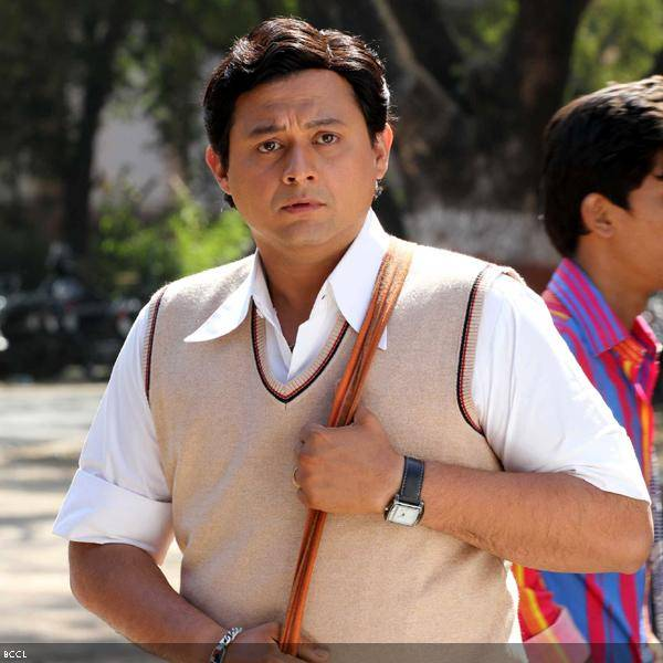 Swapnil-Joshi-Marathi-movie-Duniyadari review
