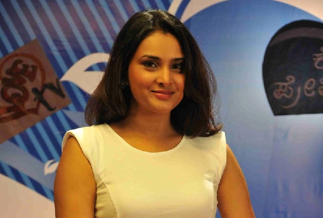 Divya Spandana Wins Mandya By-Polls, Becomes Youngest Indian Female MP