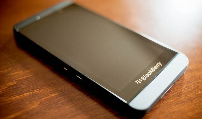 BlackBerry Z30 Spotted Online: Dual Core Processor, BlackBerry 10.2 OS