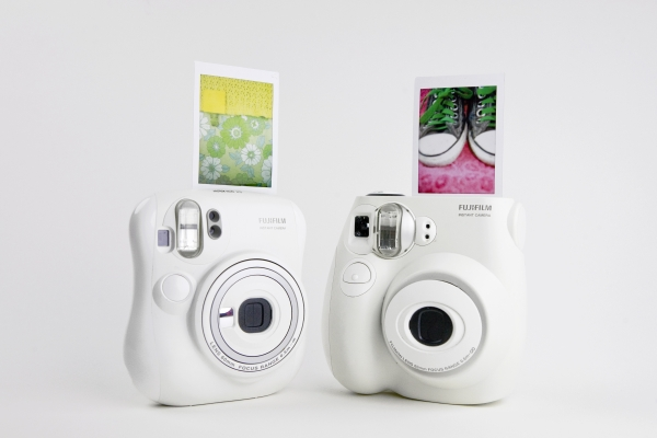 Fujifilms-Instax-Mini-7s-Mini-25-Cameras-india