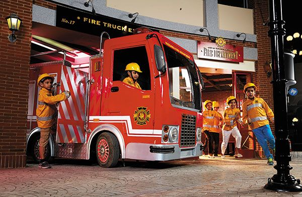 KidZania India Opens First Theme Park Shah rukh khan