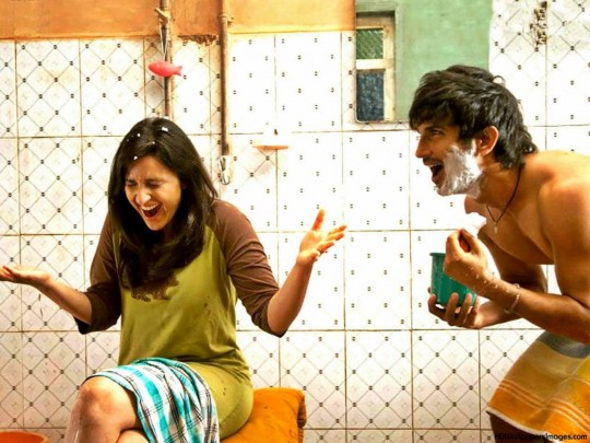 Shuddh Desi Romance | Movie Review- Charm Snugs The Taboo!