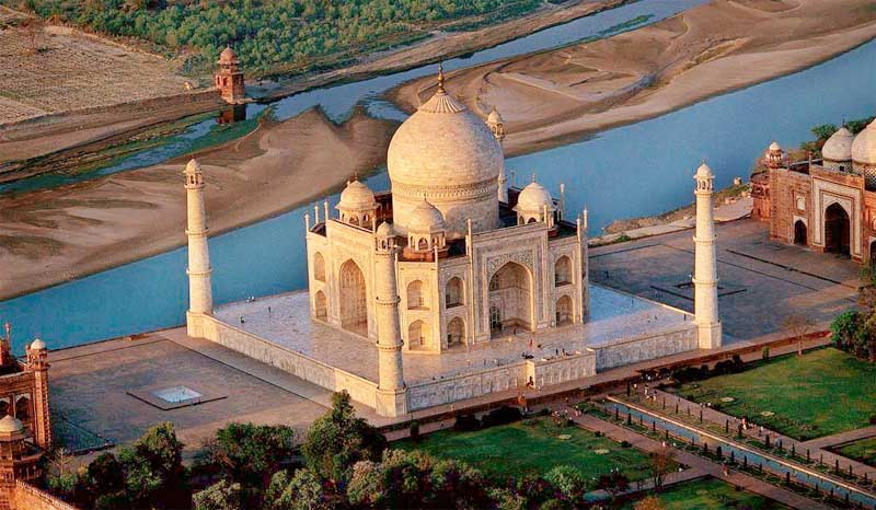 Taj-Mahal-and-surrounding bird view