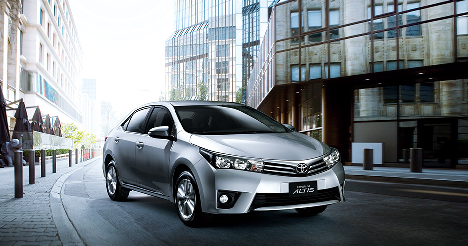 2014 Toyota Corolla To Be Showcased At Delhi Auto Expo In February. Specs and Features Listed.