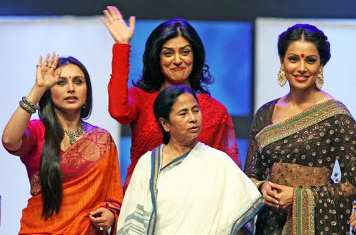 Bipasha, Rani and Sushmita Honoured At The Kolkata Film Festival