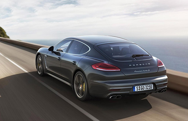 Porsche-Panamera-Turbo-S-back