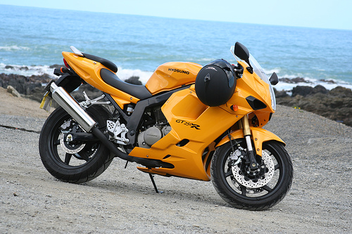DSK-Hyosung-GT-250R-India-Yellow