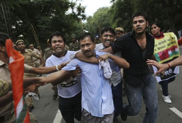 arvind kejriwal fight 3