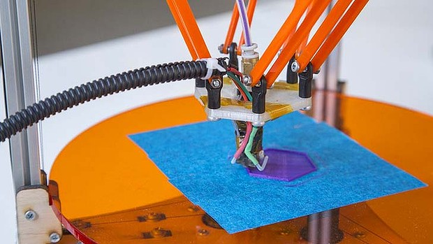 Deltaprintr – A Low-Cost 3D Printer Built By A US College Student.