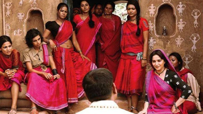 Watch: Official Trailer of 'Gulaab Gang' Starring Madhuri Dixit-Nene, Juhi Chawla
