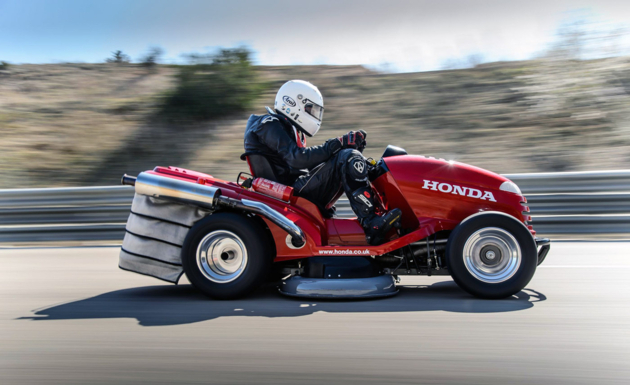 Honda Mean Mower Is World's Fastest Lawnmower @ 186Km/Hour – Sets New Guinness World Record.