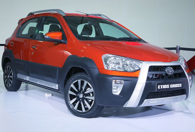 Toyota-Kirloskar Etios Cross Launched : Price of The Cross-Over Vehicle Starts At Rs. 5.76 Lakh