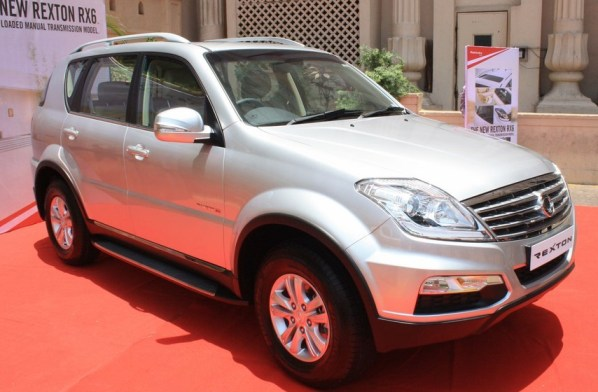 Mahindra's Luxury SUV Ssangyong Rexton RX6 Launched In India For Rs 19.96 Lakh