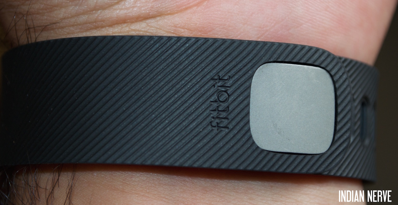 Fitbit Charge Review : Pump Up Your Fitness Regime